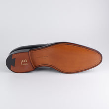 Laden Sie das Bild in den Galerie-Viewer, CROCKETT & JONES Sydney
