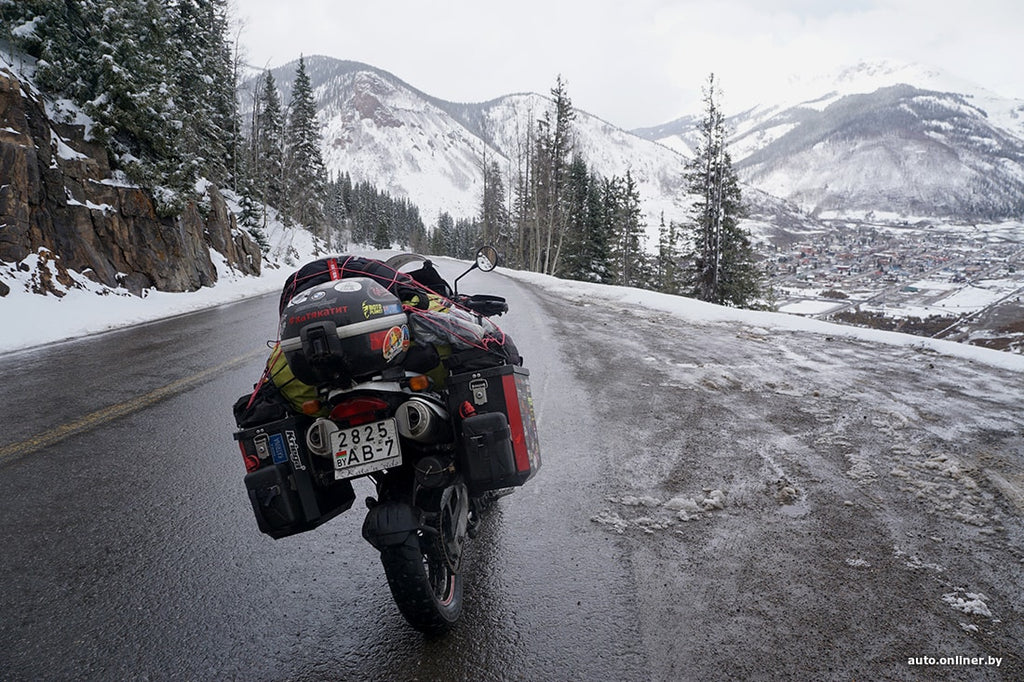 Traveling around the USA on a motorcycle is extremely simple and enjoyable.