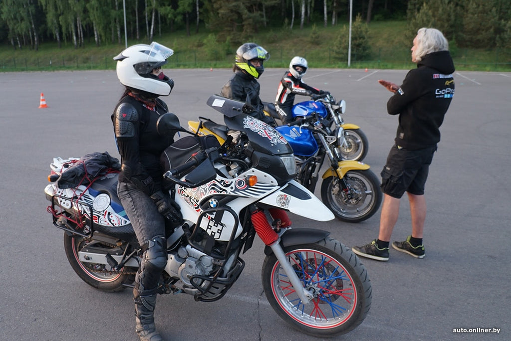Motorcyclist Updated knowledge on driving in a driving school
