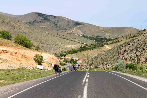 the-beginning-of-the-ascent-to-the-pass