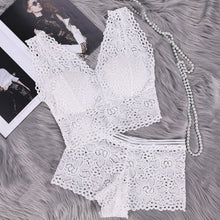 Load image into Gallery viewer, Women Push Up Sexy Bra Set Floral Lace Transparent Bralette Sexy Lingerie Wireless Bra Panties Set