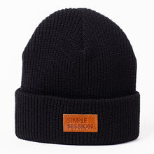 Load image into Gallery viewer, SIMPLE SESSION x ETNIES BEANIE Black