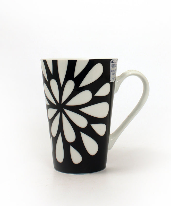Bloom Black & White Mug