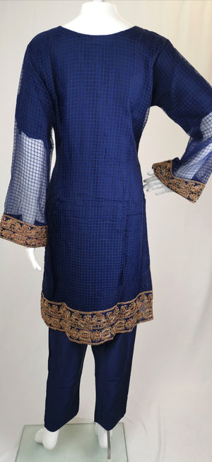 Blue soft tissue trouser suit with embroidery