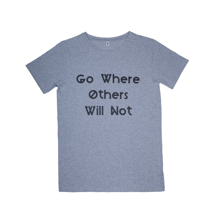 "Maglia mezza manica con stampa ""Go where others will not"""