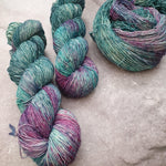 Load image into Gallery viewer, Cosmic. Merino Singles High Twist 4-ply/fingering