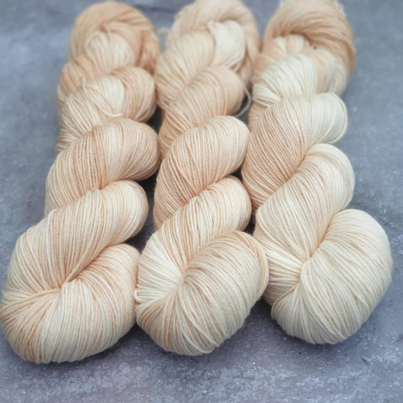 Cream. Merino Nylon 4-ply/fingering