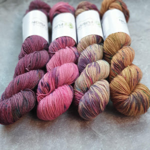 Tulip-Gold 50g Kit. Merino Nylon 4-ply/fingering