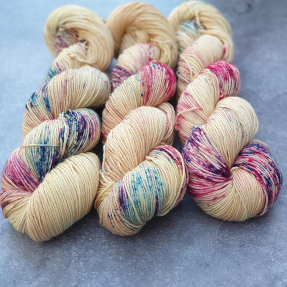 Honey Bloom. Merino Nylon 4-ply/fingering