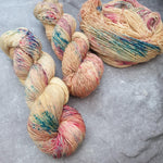 Load image into Gallery viewer, Honey Bloom. Merino Singles High Twist 4-ply/fingering