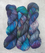 Load image into Gallery viewer, Oil Spill. Merino Nylon High Twist 4-ply/fingering