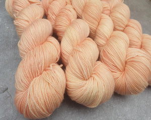 Peach. 100% Merino 4-ply/fingering