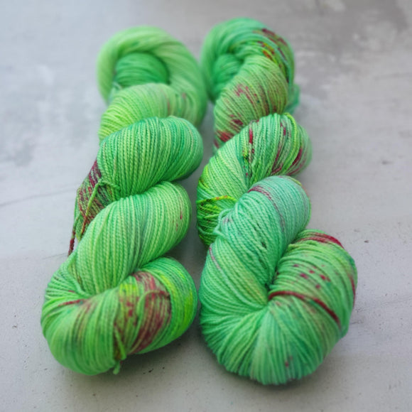 Sparkling Apple. Merino Nylon High Twist 4-ply/fingering