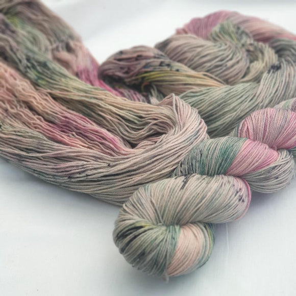 Spring With Attitude. Merino Nylon 4-ply/fingering