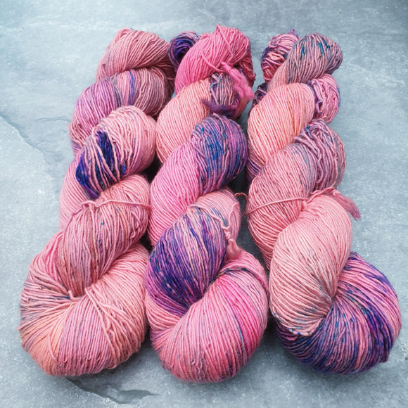 Strawberry Sky. Merino Singles High Twist 4-ply/fingering