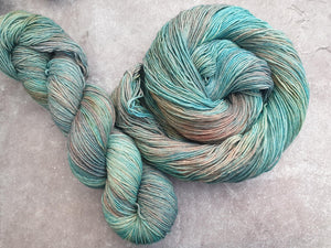Sunset Ocean. Merino Nylon 4-ply/fingering