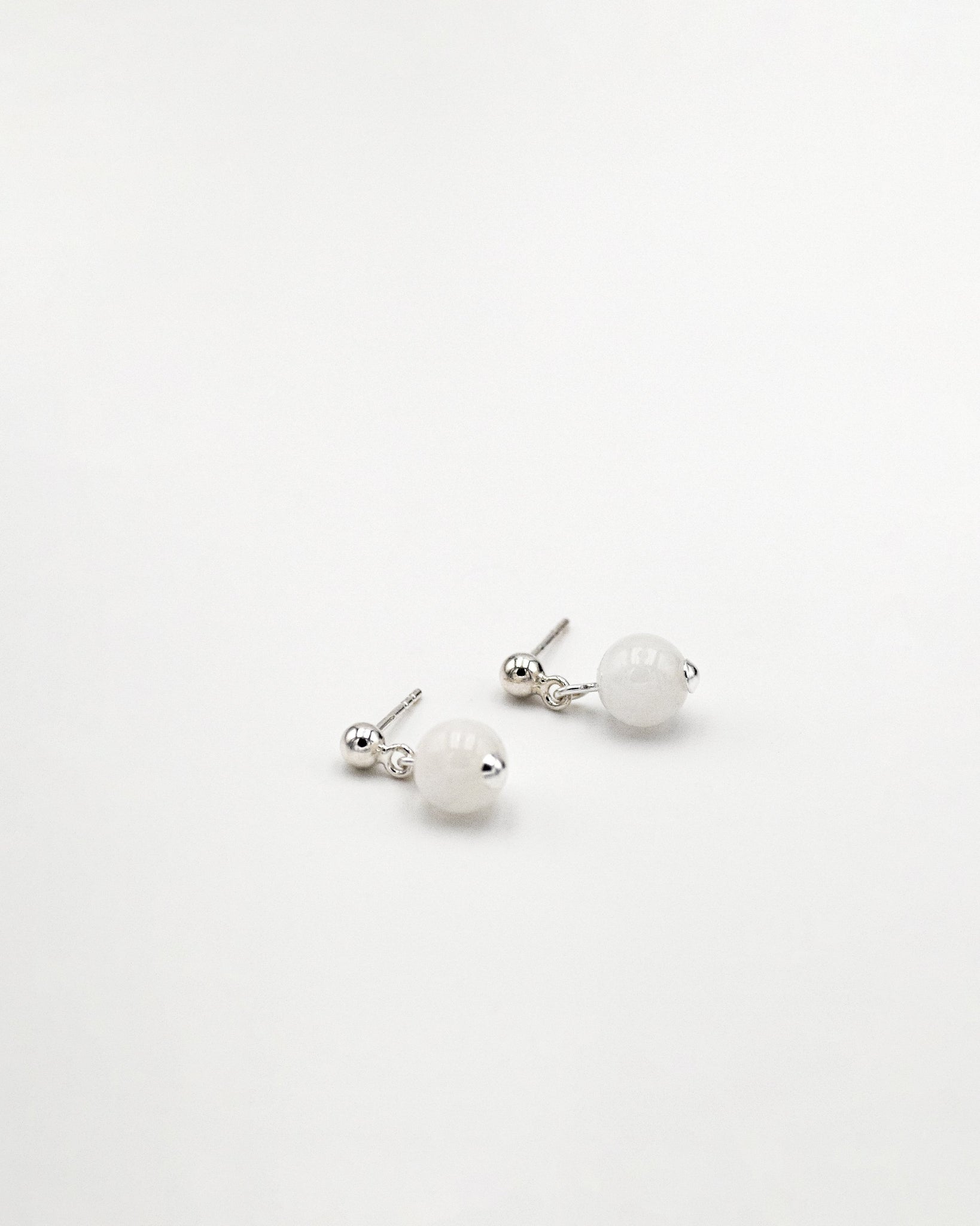 Thea moonstone earrings - IDAMARI