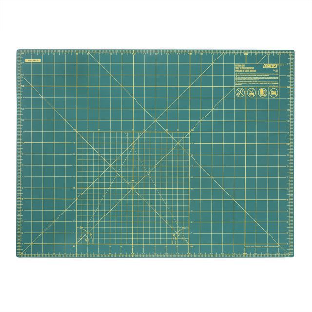 "Olfa Double Sided Rotary Mat (Medium: 18"" x 24"")"