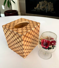 Load image into Gallery viewer, Decorative Tissue box holder