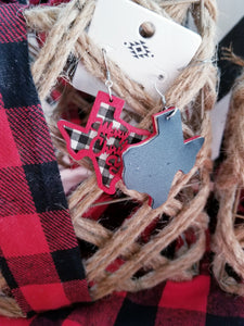 Texas Shaped Black & WHITE Plaid MERRY CHRISTMAS Y'ALL, Christmas Earrings