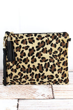 Load image into Gallery viewer, Leopard Print Crossbody Clutch