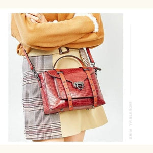 Nouvelle Mode Women's Leather Hand/shoulder/crossbody Bag Red Premium Leather