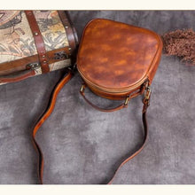 Load image into Gallery viewer, Très Belle full Grain Leather Satchel/laptop/shoulder Bag Premium Leather