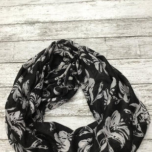 Primary Photo - BRAND: LOFT STYLE: SCARF COLOR: BLACK WHITE SKU: 126-3266-24060
