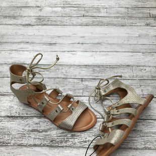 Primary Photo - BRAND: DOLCE VITA STYLE: SANDALS COLOR: GOLD SIZE: 7.5 OTHER INFO: NO RETURNS SKU: 126-1881-55822