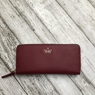 Primary Photo - BRAND: KATE SPADE STYLE: WALLET COLOR: BURGUNDY SIZE: MEDIUM OTHER INFO: LIKE NEW! RT$178 SKU: 126-3290-64797