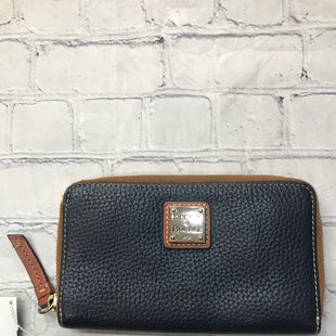 Primary Photo - BRAND: DOONEY AND BOURKE STYLE: WALLET COLOR: NAVY SIZE: MEDIUM SKU: 126-2092-184360