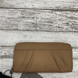 Primary Photo - BRAND:   CMC STYLE: WALLET COLOR: TAN SIZE: LARGE OTHER INFO: TRVELON - NEW! SKU: 126-3003-4257