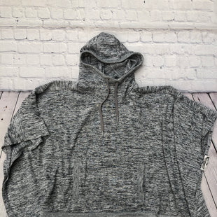 Primary Photo - BRAND: ATHLETA STYLE: PONCHO COLOR: GREY SIZE: S SKU: 126-2092-182074
