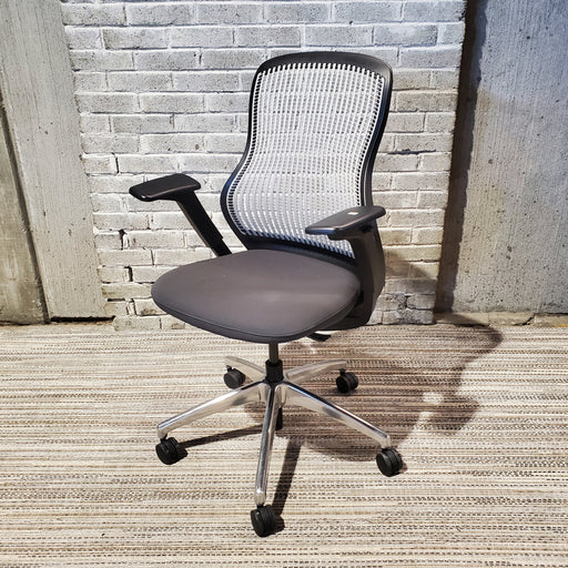 Pre-Owned Knoll ReGeneration Task Chair - Duckys Office Furniture