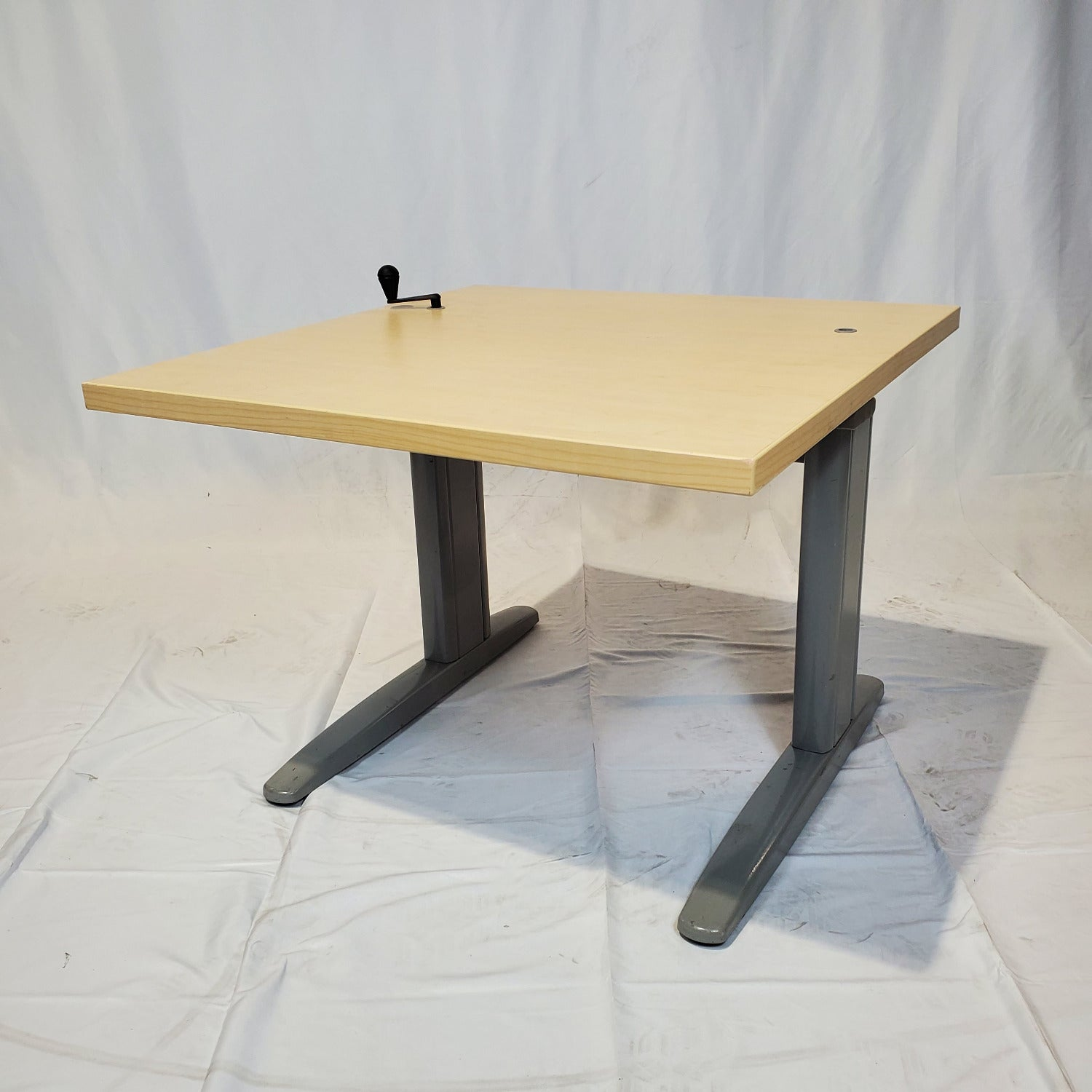 "Pre-Owned - Used Manual Height Adjustable Desk 30X29"" - Duckys Office Furniture"