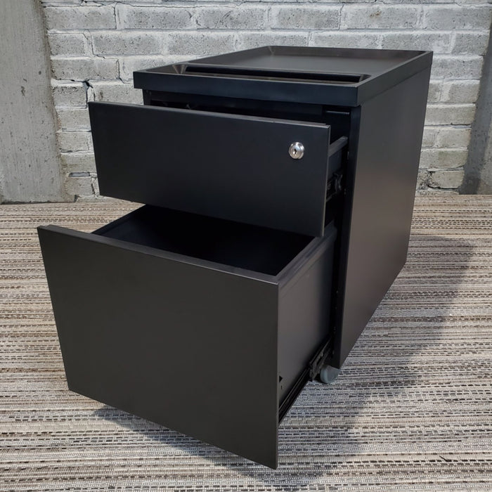 Pre-Owned Black Rolling Box/File Pedestal with Slot