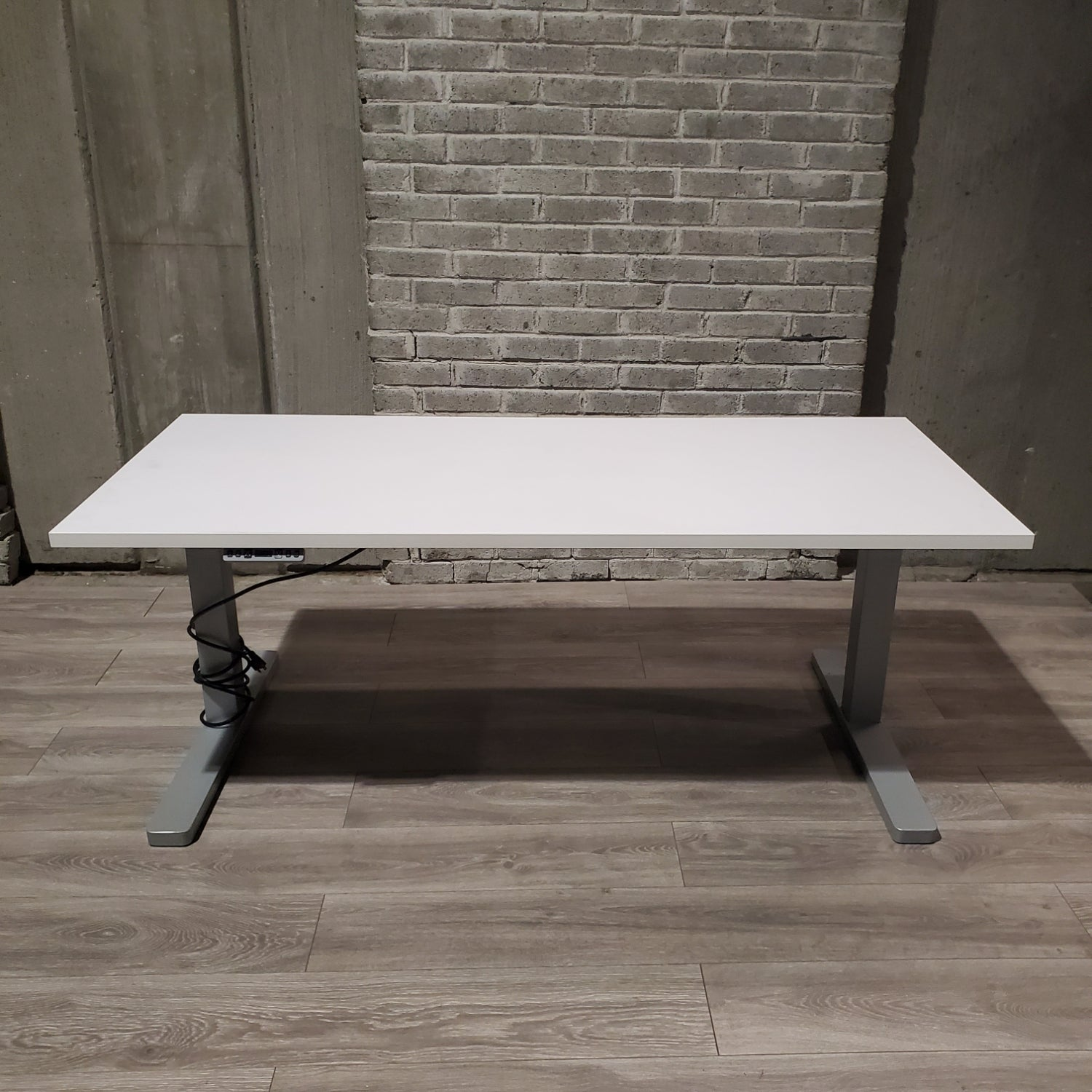 Pre-Owned - Used Electric Height Adjustable Desk - Duckys Office Furniture