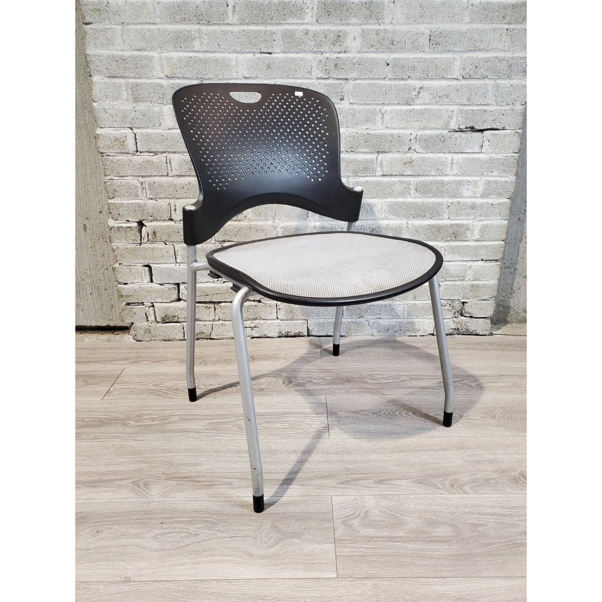 Pre-Owned - Used Herman Miller Caper Side Chair - Black and Gray - Duckys Office Furniture