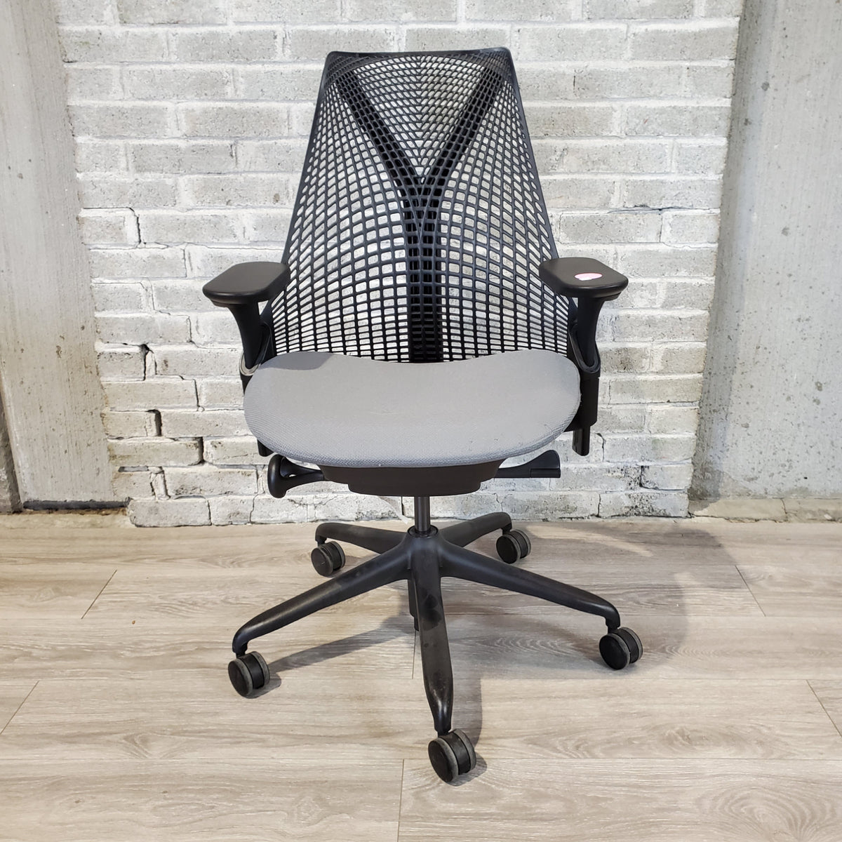 Pre-Owned - Used Herman Miller Sayl Task Chair - Black and Gray - Duckys Office Furniture