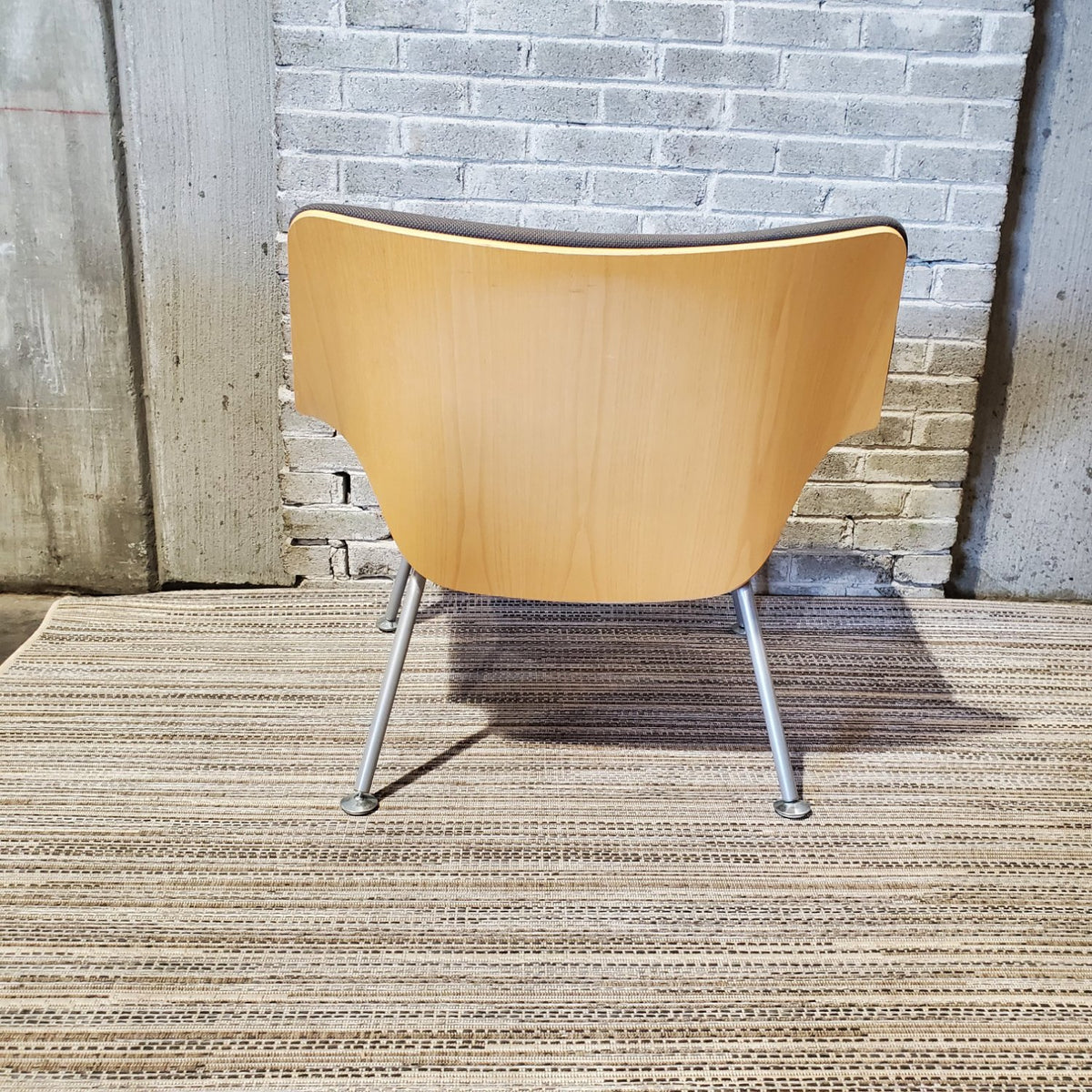 Pre-Owned - Herman Miller Swoop Lounge Chair - Duckys Office Furniture