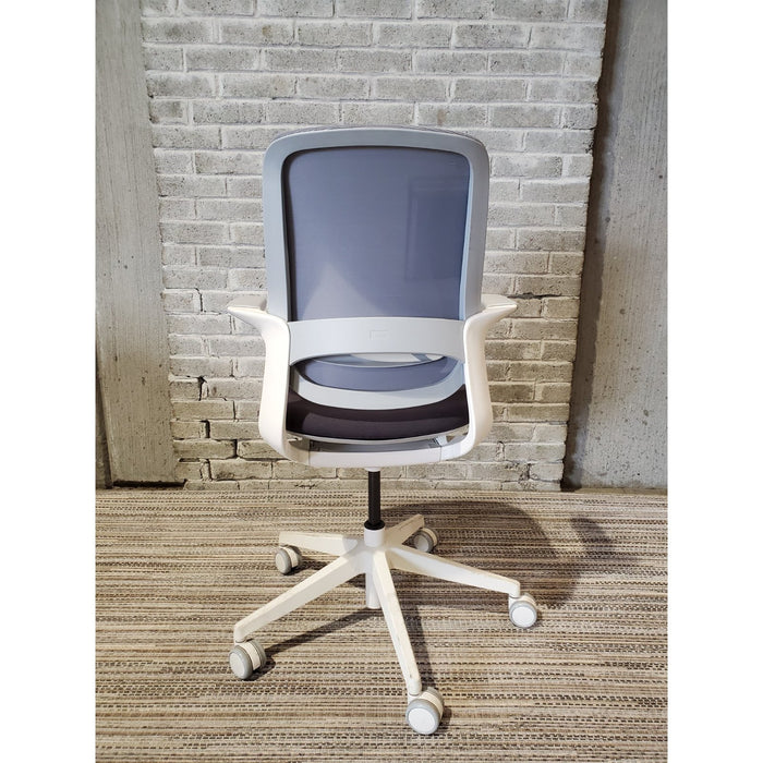 In Stock - Only 1 - AMQ FLX Task Chair - Duckys Office Furniture