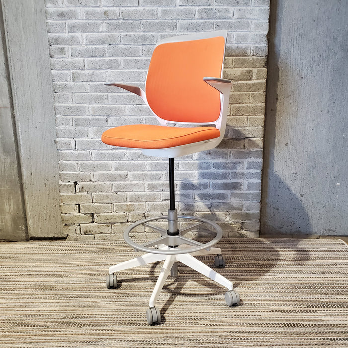 Pre Owned Steelcase Cobi Task Stool with Footring - Duckys Office Furniture