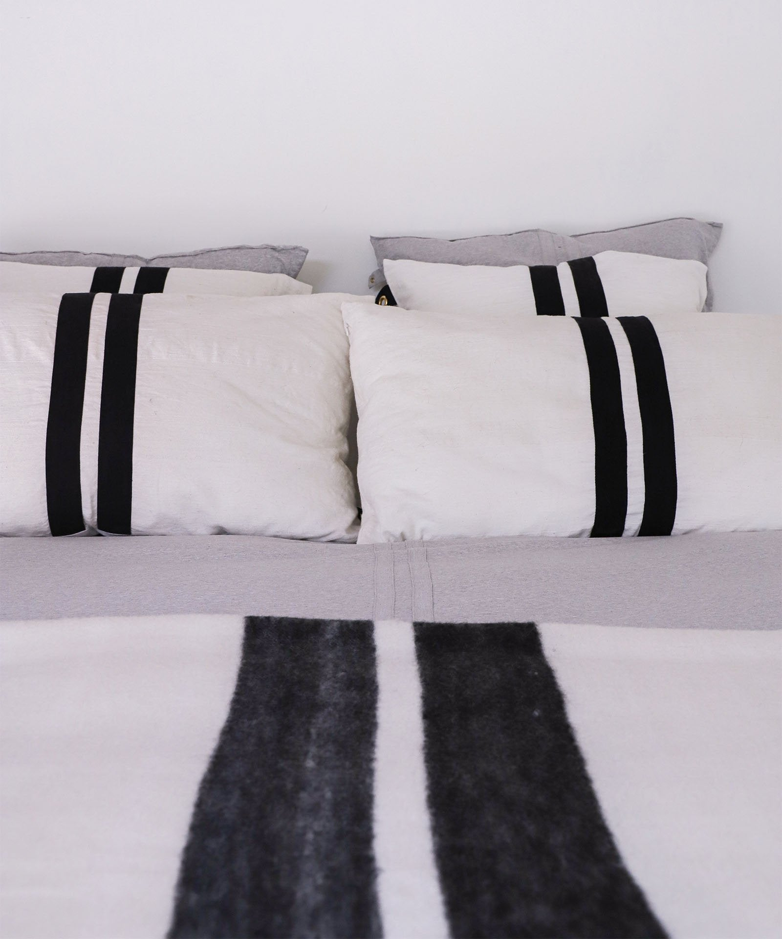 The Pillow Cover, Long White