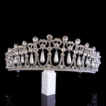 Load image into Gallery viewer, Pearl Lovers Knot tiara - Kate/Diana replica