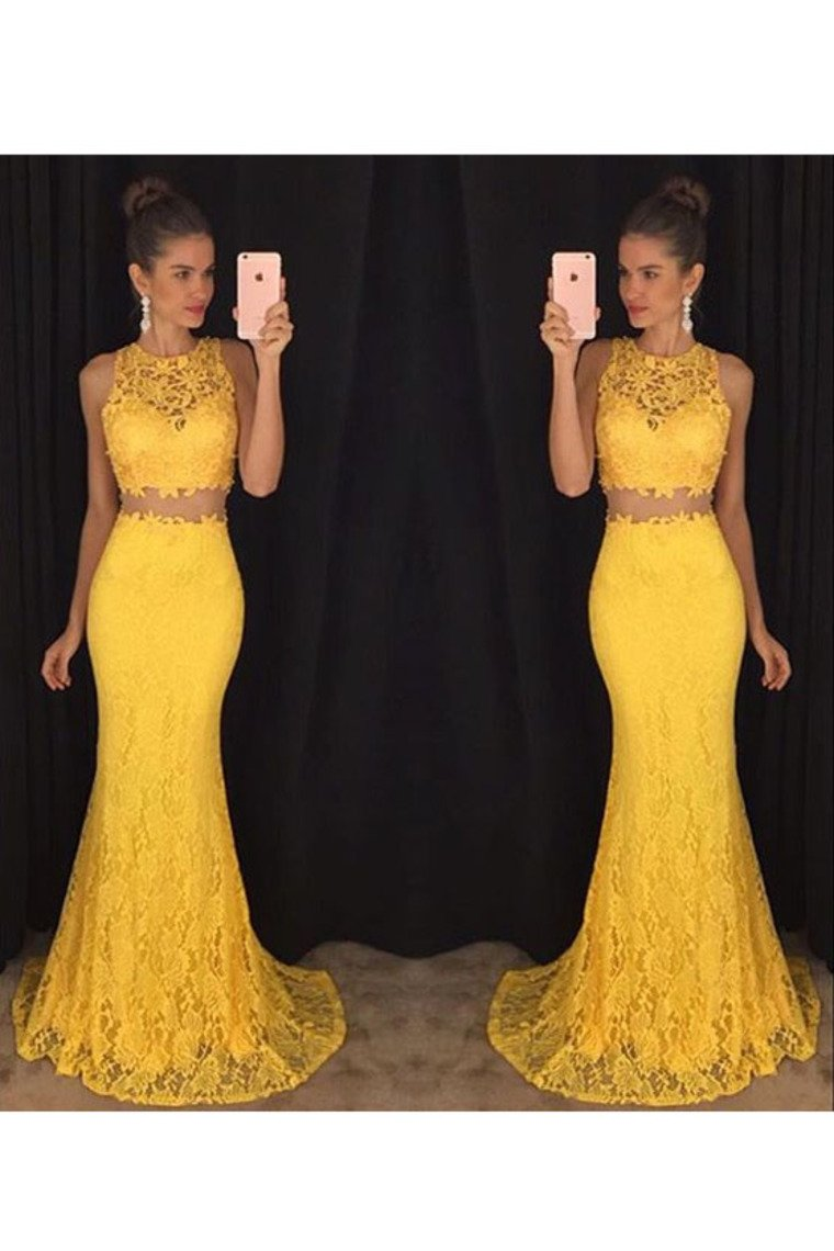 2019 Two-Piece Scoop Prom Dresses Mermaid Lace Sweep Train