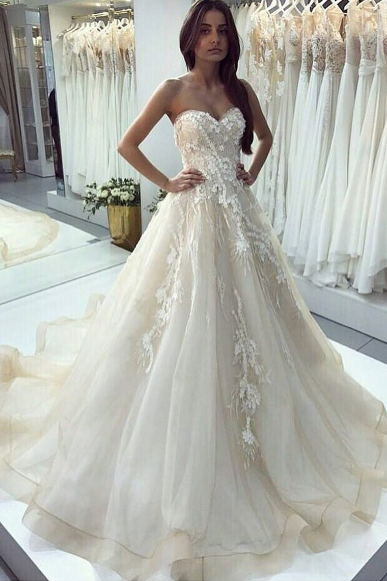 2019 Sweetheart A Line Wedding Dresses Tulle With Applique Sweep Train