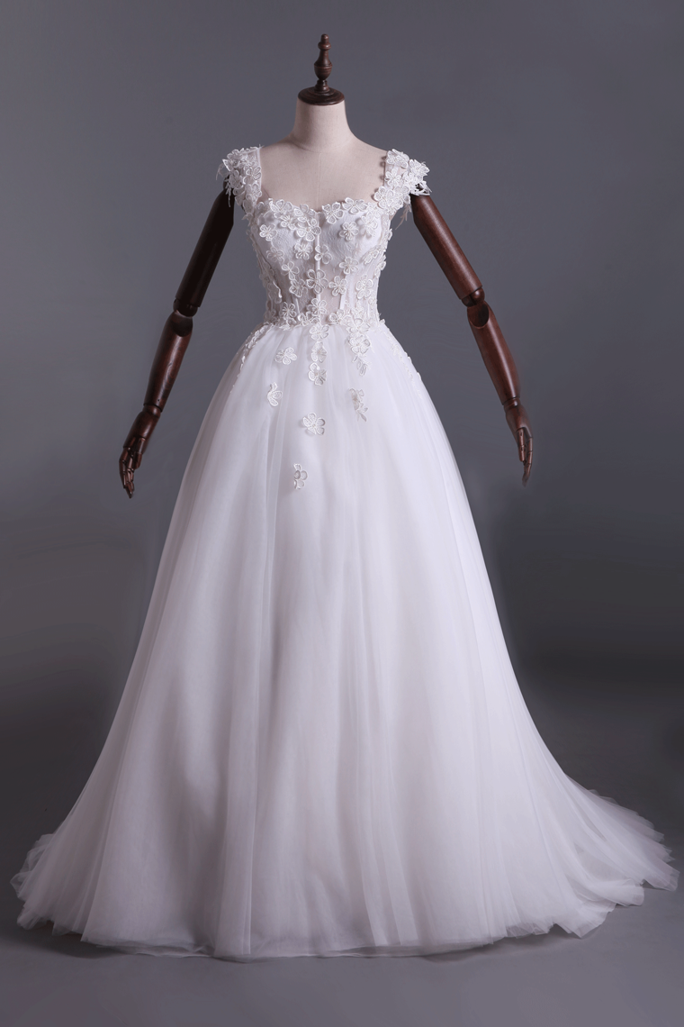 2019 Wedding Dresses Off Shoulder With Handmade Flowers And Chapel Train