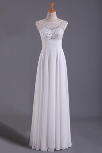2019 White Bateau A-Line Prom Dresses Chiffon Floor-Length With Beads And Applique