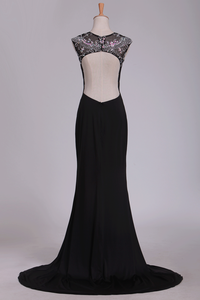 2019 Spandex Scoop With Beads And Slit Open Back Sheath Prom Dresses Sweep Train