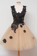 Load image into Gallery viewer, Off-the-Shoulder Black Lace Sexy Sweet 16 dresses Lace Prom Dresses RS965
